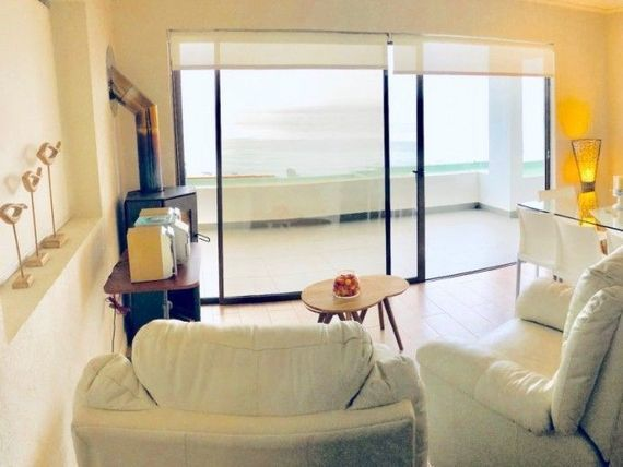 Impecable departamento frente al mar