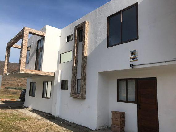 Amplia y moderna casa en Sector Bellavista, camino al Valle de Elqui.