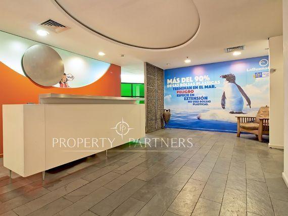 Excelente Oficina en Edificio Marriott