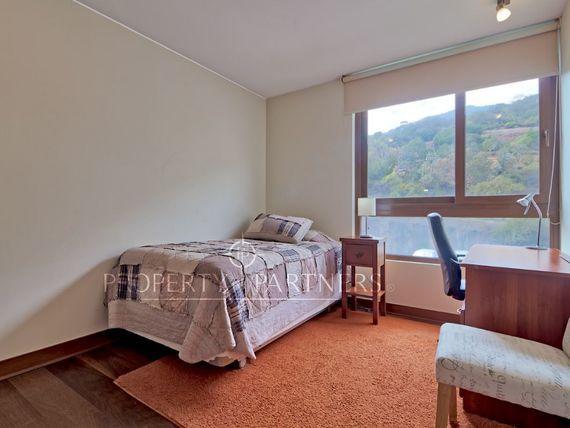 San Carlos de Apoquindo , excelente vista  lindo y cómodo departamento.