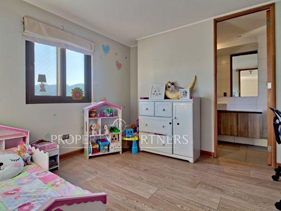 Piedra roja, casa mediterránea en condominio consolidado