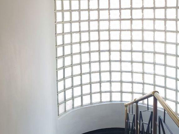 Amplia casa con terrazas en segundo piso