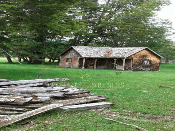 Campo en lago Vargas, Para Inversión.