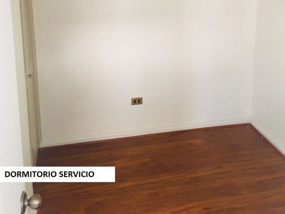 "Amplio y luminoso Dpto. 4D/4B + 2 serv., <span itemprop=""streetAddress"">Isidora Goyenechea</span> / Carmencita"