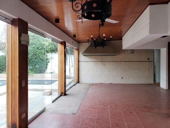Venta Amplia y Sólida Casa en Lomas de Montemar