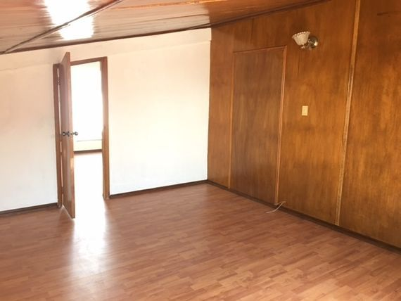 Amplio consultorio en Renta/Venta en Penthouse Torre Medica.