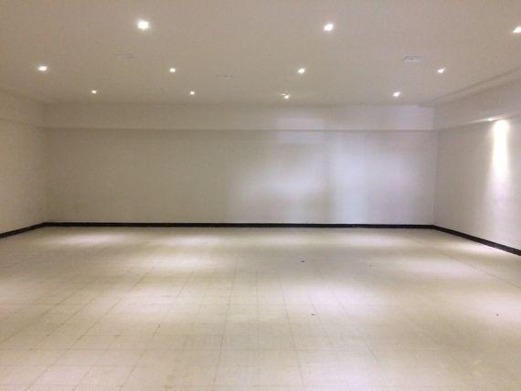 Oficina Acondicionada con showroom en CENTRITO VALLE