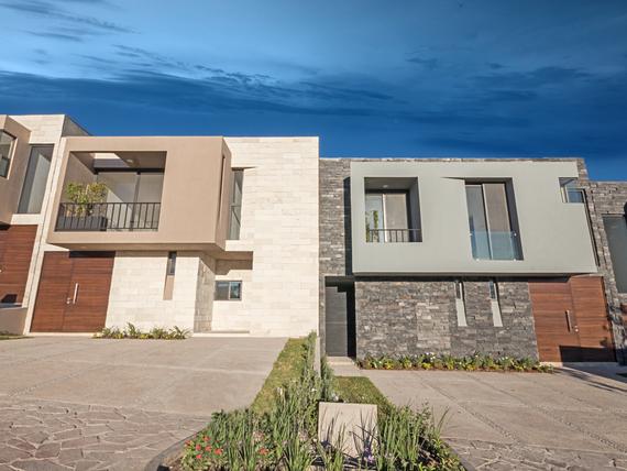 Casa de 3 recamaras con vestidor y Baño Altozano El Nuevo Queretaro