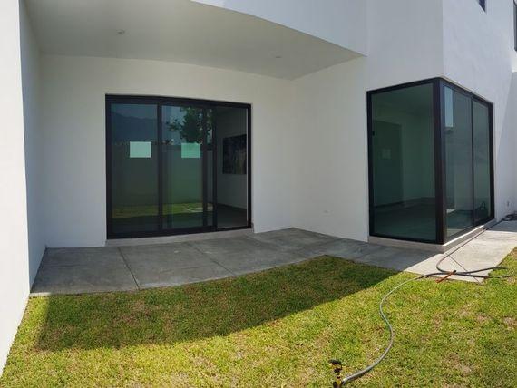 Casa nueva en venta Colonia Catujanes Carretera Nacional