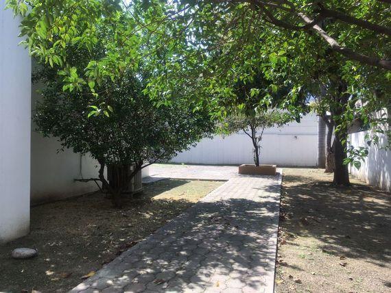 "Hermosa Casa en renta en Santa Engracia, San Pedro  <span itemscope="""" itemtype=""http://schema.org/TradeAction""><span itemprop=""price"">$ 34.000.000</span></span>"