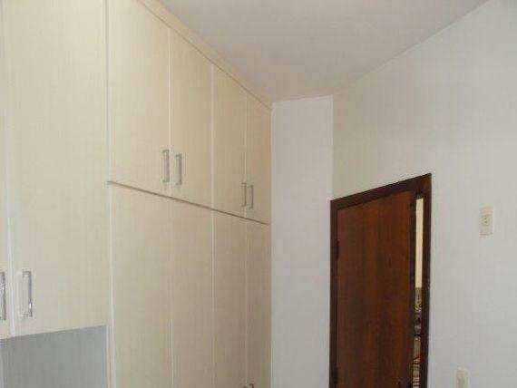 "Sobrado, 4 dormitórios, 3 vagas, <span itemprop=""addressLocality"">Perdizes</span>"