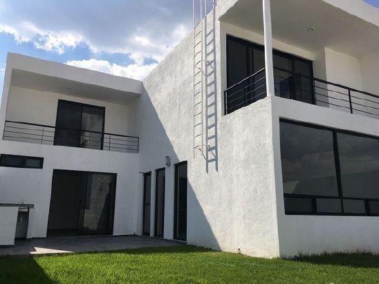 RESIDENCIA EN CUMBRES DEL LAGO CON PRECIOSA VISTA, 4TA  RECÁMARA EN PLANTA BAJA