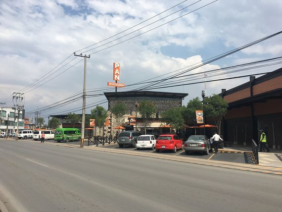 Local Comercial en Plaza La Troje