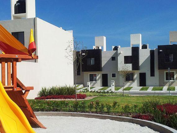 """Hermosa DUPLEX en <span itemprop=""""streetAddress"""">Ciudad Marques</span>, 2 Recámaras, 1.5 Baños, Privada, GANELA!"""