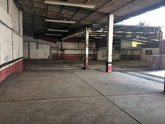 Local Comercial-Bodega-Estacionamiento