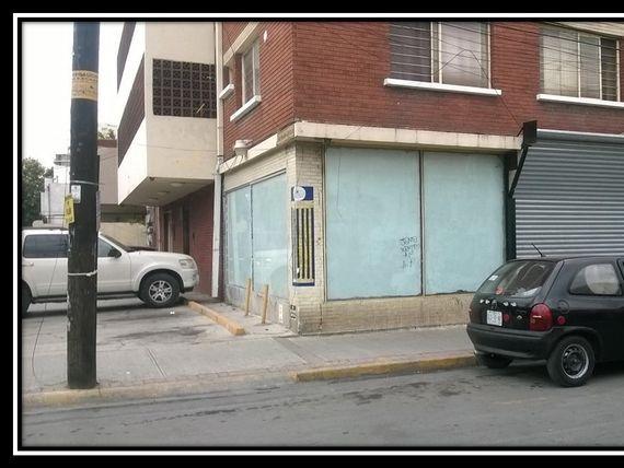 LOCAL EN RENTA EN EL CENTRO DE MONTERREY $15,000MAS IVA