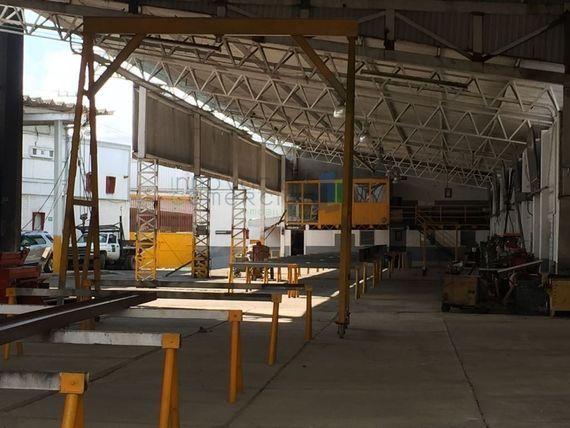 Local / bodega comercial en renta en Santa Rosa Jáuregui