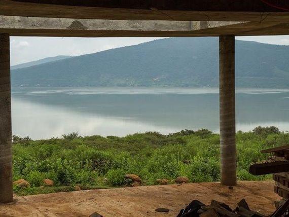 "Terreno en venta en <span itemprop=""streetAddress"">Oponguio</span> con vista a lago"