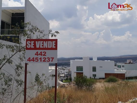 Se Vende Terreno de 250 m2 en LOMAS DE JURIQUILLA - 10 X 25 - ÚNICO!