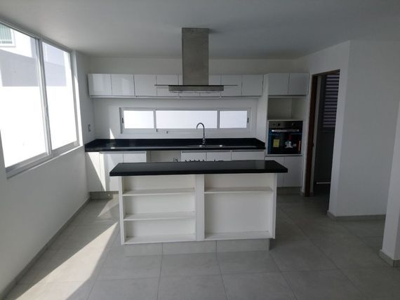 "Preciosa Casa, Grand <span itemprop=""addressLocality"">Juriquilla</span>, Alberca, 3 Recámaras, Jardín, Estudio o 4ta Rec"