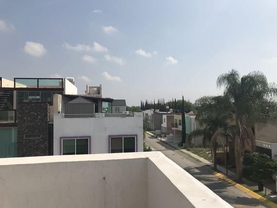 """Casa en venta en <span itemprop=""""addressLocality"""">Zapopan</span> en Rinconada Del Valle"""