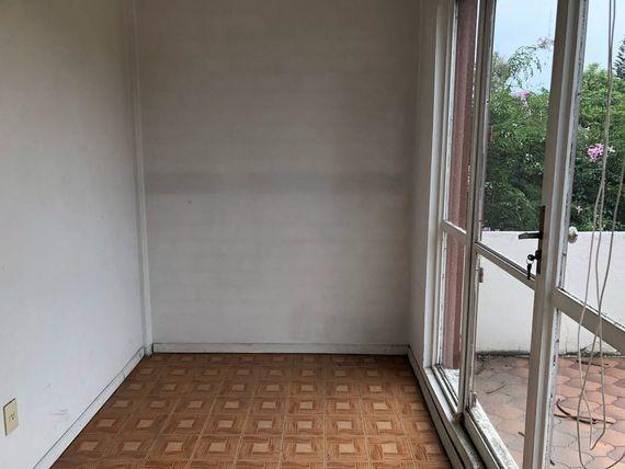 """Comoda casa en <span itemprop=""""addressLocality"""">Lomas de Chapultepec</span>"""