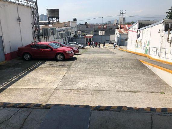 Oficinas con vigilancia en Av.Toluca