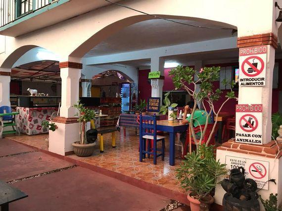 RESTAURANTE FUNCIONANDO EN VENTA, col. Mulsay, en esquina