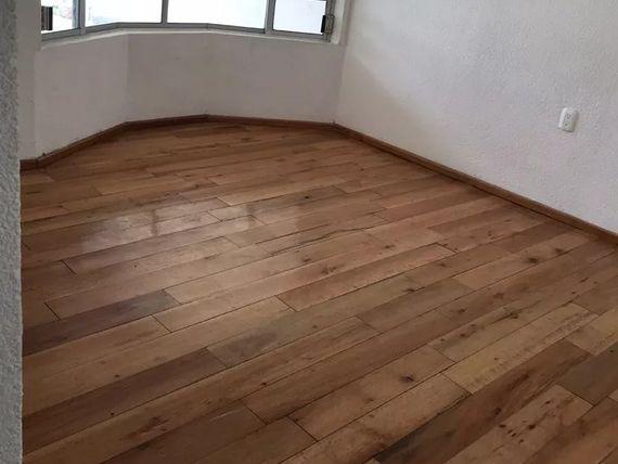 Casa en JURICA de UNA PLANTA con 400 m2, Jardines, 3 Recámaras, 4 Baños, GANELA