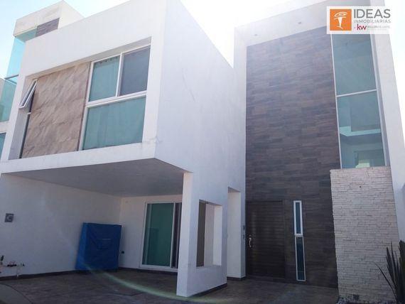 """Casa en venta con alberca, <span itemprop=""""streetAddress"""">Parque Querétaro</span>. Lomas de Angelopolis."""