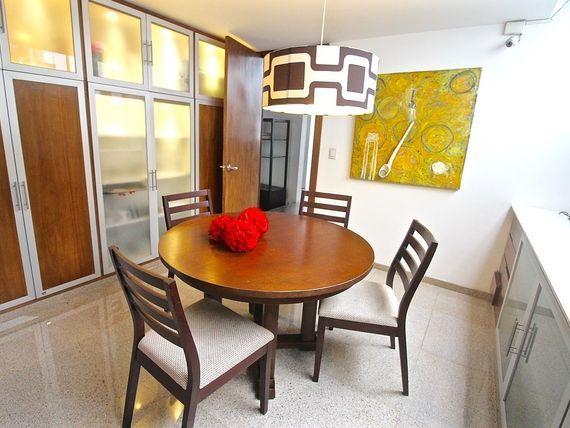 Casa de 4 recamaras en cerrada - Zona Anahuac
