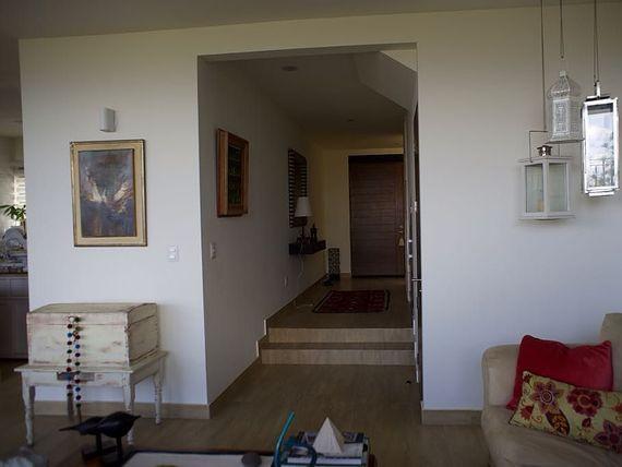 """Preciosa Casa en <span itemprop=""""addressLocality"""">Zibatá</span> Fracc. EL Dominio, Alberca, 3 Recámaras, EQUIPADA y LUJO"""