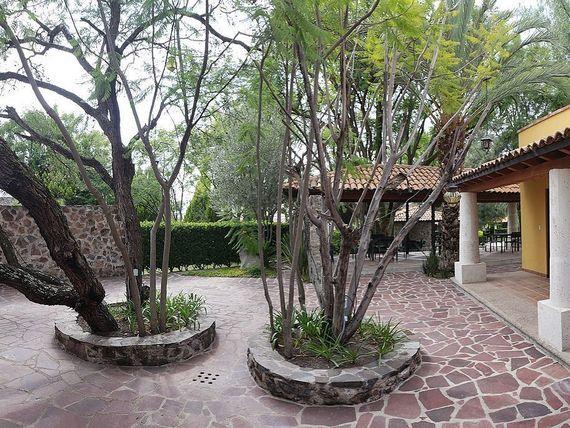 """Casa En Venta en <span itemprop=""""addressLocality"""">San Miguel de Allende</span>.  Casa Huizaches. 6 Recámaras."""