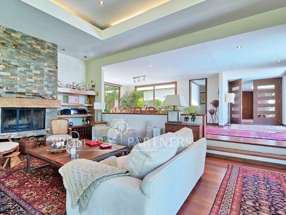Las Brisas, moderna casa con amplios espacios