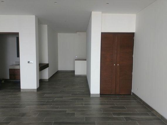 """Preciosa Residencia en <span itemprop=""""addressLocality"""">Zibatá</span>, Golf, Sótano, 3 Recámaras, Gran Jardín, LUJO"""
