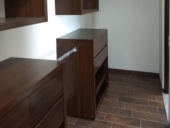 Se Vende Hermosa Residencia en Colinas de Juriquilla, 3 Recámaras, Estudio, LUJO
