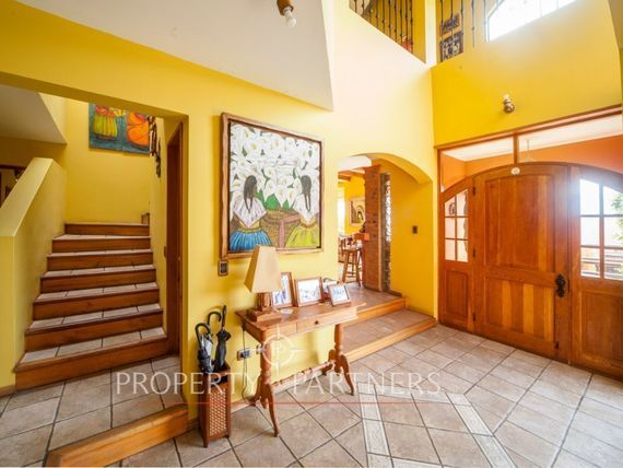 Espectacular propiedad en el mejor sector de San Joaquín