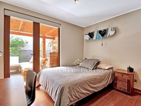 Piedra Roja, Casa Mediterránea en consolidado condominio