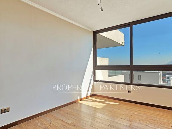 San Carlos de Apoquindo, departamento duplex con espectacular terraza.