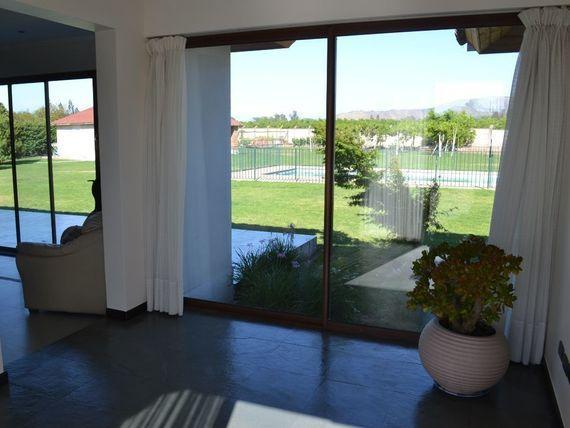 Casa estilo chilena a dos minutos de autopista del sol y excelentes accesos