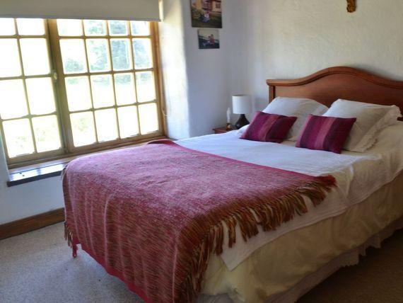 """Hermosa Casa  en Principal avenida Virginia Subercaseaux de <span itemprop=""""addressLocality"""">Pirque</span>"""