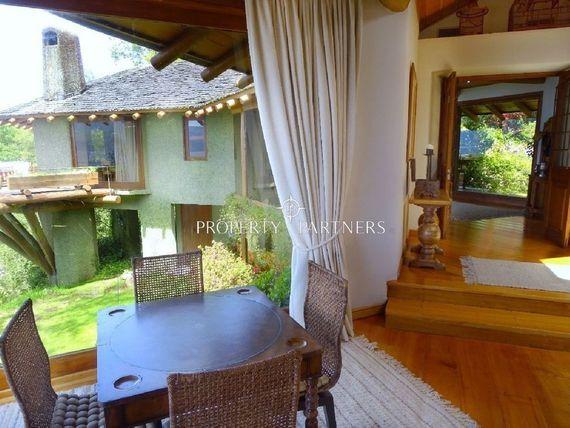Espectaculares casas con orilla de lago Villarrica, en un solo terreno.