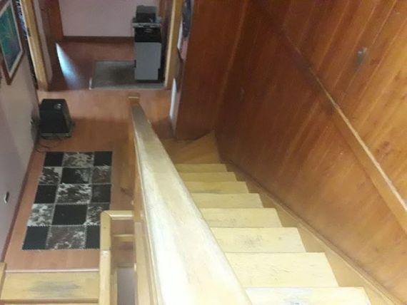 Vende preciosa casa a pasos del lago