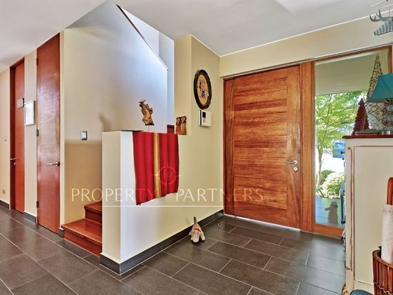 Piedra Roja, Excelente casa Mediterránea con poco uso en condominio consolidado
