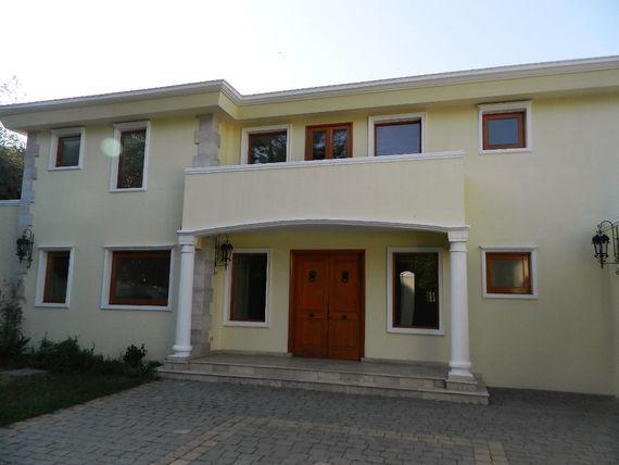 Maravillosa Casa, cercana a colegios en Golf de Manquehue