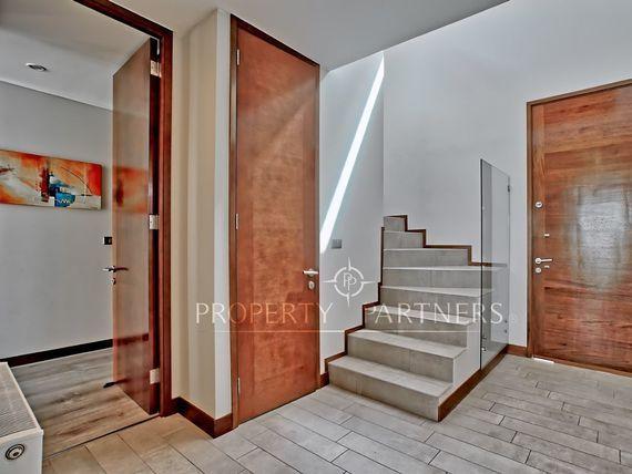 Impecable,Casa Mediterranea en Condominio, Los Bravos