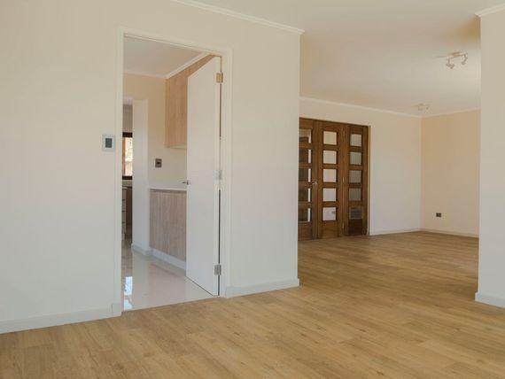 Casa nueva en condominio interior en Colegio Campanario