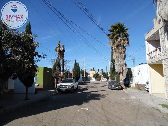 """Casa en Venta en Fraccionamiento <span itemprop=""""addressLocality"""">Villas del Guadiana IV</span>"""