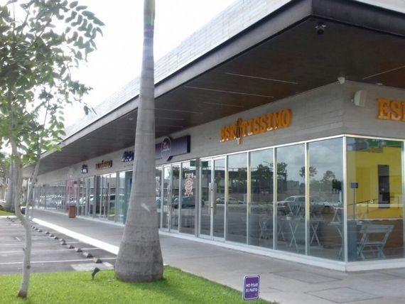 """Local comercial tipo pad, sobre avenida, en Street Mall triple A en <span itemprop=""""addressLocality"""">Mérida</span>"""