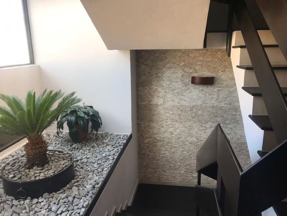 Casa remodelada en José María Castorena en condominio Quintas del Yaqui
